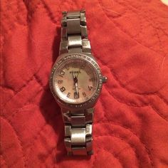 Fossil woman's watch All it needs is a new watch battery great condition with extra links to make bigger Fossil  Jewelry