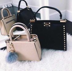 Michael Kors OFF!>> michael-kors-bags- Branded handbags that are on trend www. Fashion Handbags, Purses And Handbags, Fashion Bags, Cheap Handbags, Fashion Outfits, Backpack Purse, Purse Wallet, Burberry, Louis Vuitton