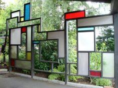 Mondrianinspirerat insynsskydd