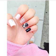 Simple chevron with white and black nails!! Love