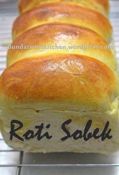 Roti Bread, Bread Cake, Pastry Recipes, Bread Recipes, Cooking Recipes, Roti Recipe, Chocolate Cookie Recipes, Bakery Cakes, Indonesian Food