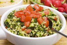 Get the healthy recipe for Tabbouleh, a Lebanese salad made with bulgur (a partially cooked cracked wheat), lemon juice, tomatoes and a considerable amount of fresh parsley and mint. Raw Food Recipes, Salad Recipes, Healthy Recipes, Healthy Salads, Healthy Eating, Eating Vegan, Roh Vegan, Clean Eating, Superfood Salad