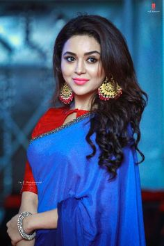 """More stills from Hadiyya Event. Beautiful Saree, Beautiful Indian Actress, Beauty Full Girl, Indian Beauty Saree, Saree Dress, Indian Models, India Beauty, Stylish Girl, Pretty Face"