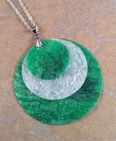 Green and White Gradient Circle Recycled por DontBeTrashyDesigns, $10.00