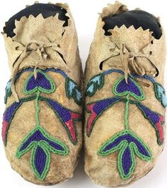 1890's Prairie or Plateau beaded moccasins; beadwork, bead work; first nations, native american, indian,