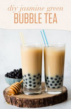 Make your own bubble tea at home with this simple and quick recipe featuring Jasmine Green tea, crafted by recipe developer Lisa Lin. Cater the sweetness and strength to your taste for a delicious and healthier result! Lego Duplo, Green Tea Before Bed, Boba Tea Recipe, Green Tea Boba Recipe, Milk Tea Recipes, Drink Recipes, Smoothie Recipes, Coffee Recipes, Pearl Tea