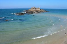 France Hotels - Amazing Deals on Hotels in France Image Surf, Hotels In France, Region Bretagne, Beach Humor, Western Coast, Beach Activities, Roadtrip, France Travel, Hotel Deals