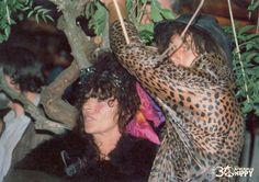 Muchas personas pasaron por el mercadillo de Las Dalias desde 1985...alguien se reconoce en estas fotos??? #LasDaliasdeIbiza #30yearsLasDaliasHippyMarket #feelLasDalias #Ibiza2015