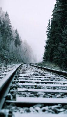 Black and white train tracks. Winter Photography, Landscape Photography, Nature Photography, Travel Photography, Photography Backgrounds, London Photography, Photography Ideas, Foto Nature, Cool Pictures