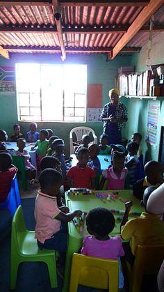 Kinder in der alten KITA Nkululeko Südafrika Orange Farm