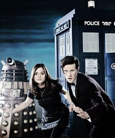 Tardis, dalek, doctor and Oswin Matt Smith Doctor, Clara Oswald, Through Time And Space, Eleventh Doctor, Dalek, Jenna Coleman, Geronimo, Entertainment Weekly, Time Lords