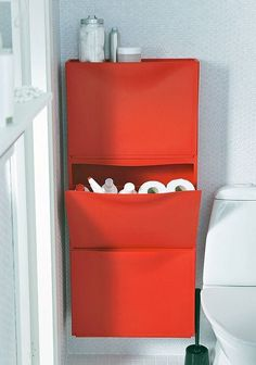 Így tárolhatod kulturáltan a WC-papírt, ha kicsi a fürdőszobád