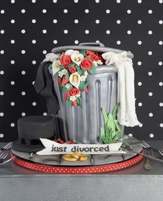 Divorce Cake                                                                                                                                                                                «CaKeCaKeCaKe» Divorce Party, Divorce Cakes, Pretty Cakes, Gorgeous Cakes, Amazing Cakes, Cake Boss, Novelty Cakes, Cake Creations, Cupcakes