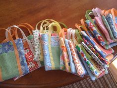 Great gift bags for birthday parties or Christmas gift bags. Would be great for teacher appreciation too. They look simple to make!
