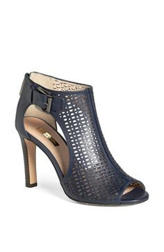 Eye catching peep-toe bootie