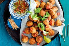 A classic dish that will complement a light Thai dinner with friends. Why take out when you can stay in? How To Cook Meatballs, Chicken Meatballs, Ground Meat Recipes, Sweet Chilli, Dinner With Friends, Prawn, Shrimp, Meatball Recipes, Thai Recipes