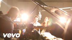 Ariana Grande - Almost Is Never Enough ft. Nathan Sykes (Ariana tem uma das melhores vozes da actualidade, sem dúvida)