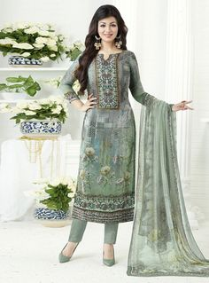 b8df27f044 Bollywood Suits, Bollywood Dress, Pakistani Suits, Punjabi Suits, Pakistani  Dresses, Stylish