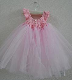 Princess Dress Tulle skirted crochet dress - free pattern at Ravelry ༺✿ƬⱤღ http://www.pinterest.com/teretegui/✿༻