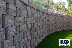 Great curved retaining wall. Come by any of RCP's 6 San Diego locations and check out all the styles and colors of block that we carry!