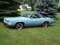 LeMans, we had one almost identical to this, fantastic car! Pontiac Lemans, Pontiac Cars, Retro Cars, Vintage Cars, Automobile, Mid Size Car, Counting Cars, Pontiac Grand Prix, Us Cars