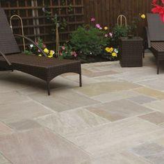Natural Paving Classicstone Lakeland Paving Slab 290 mm x 600 mm x 24 mm My Patio Design, Concrete Patio Designs, Paving Design, Small Backyard Design, Garden Design, Backyard Designs, Paving Stone Patio, Garden Paving, Paving Slabs