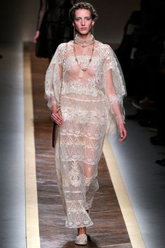 Valentino Spring 2012 Ready-to-Wear
