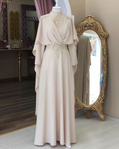 51 ideas for dress long muslim modest fashion Source by dresses hijab Source by FashionTipsAndAdvice dresses ideas Muslimah Wedding Dress, Muslim Wedding Dresses, Muslim Dress, Dress Wedding, Dress Muslimah, Wedding Abaya, Muslim Hijab, Modest Dresses, Modest Outfits