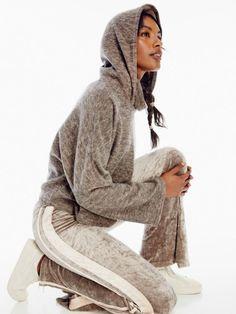 Mackenzie Grandquist: Wardrobe Stylist