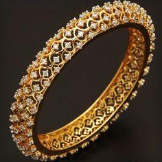 Gold bangles with diamonds. Gold Diamond Earrings, Diamond Bracelets, Gold Bangles, Diamond Pendant, Silver Bracelets, Stylish Jewelry, Modern Jewelry, Gold Jewelry, Fine Jewelry
