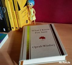"""Retour sur le livre d'Oprah Winfrey """"What I Know For Sure"""". La présentatrice est une source d'inspiration et elle partage ce qu'elle a appris de la vie."""