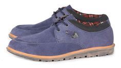 Sepatu casual G 1127 adalah sepatu casual yang nyaman dan kuat....