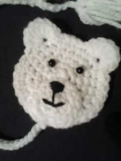 A cute little bear to add a little something special to that handmade gift. Use it for hats, sweaters, scarves…anything you can think of.