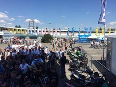 Das war ein turbulentes und rennaction-reiches erstes DTM-Wochenende! _wige war mit rund 150 Personen und zahlreichen Produktionsfahrzeugen vor Ort. Somit haben _wir ein paar Impressionen für Euch sammeln können. Die Tabellenführung geht nach Runde 1 am Hockenheimring Baden-Württemberg an Paul Di Resta (Mercedes-AMG C63 DTM) mit 37 Punkten, Robert Wickens (Mercedes-AMG C63 DTM) 28 Punkte und Edoardo Mortara (Audi RS5 DTM) mit 25 Punkten. Next Stop: Red Bull Ring in Spielberg – 20.Mai 2016.