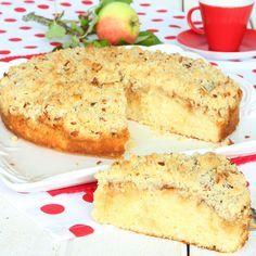 Mjuk & saftig äppelkaka med frasig smulcrunch på toppen som gör den läckert crunchig.