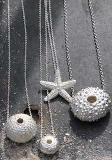 A découvrir, trois nouvelles créatrices sur le site de l'Atelier des Bijoux Créateurs Beach Jewelry, Pearl Necklace, Pearls, Fashion, Quirky Gifts, Jewelry Designer, Baby Born, Atelier, String Of Pearls