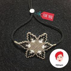 Küpe olarak yapmış olduğum örneğin bilekliği siyah , gümüş her daim favorim ❤️ . . Bilgi ve sipariş için DM lütfen . . ❤️ . . #miyuki #miyukiboncuk #miyukibileklik #miyukierkek #miyukibracelets #tasarım #handmade #miyukiboutique #miyukiaccessories #miyukiaddict #fashion #style #elişi #elyapımı #boncukişi #bracelet #miyukibracelet #beaded #jewelry #miyukijewelrys #miyukidelica #peyote #peyotestitch #miyukibeads #perlesmiyuki #muyikiaddict #miyukibroche #broche #mikiyuki #müqününmiyukile...