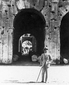 Italian Vintage Photographs ~ ~ Rudolph Valentino visits the Colosseum in Rome, Rudolph Valentino, Hollywood Actor, Classic Hollywood, Silent Film Stars, Dark Photography, Vintage Italian, Archetypes, Vintage Photographs, Historical Photos