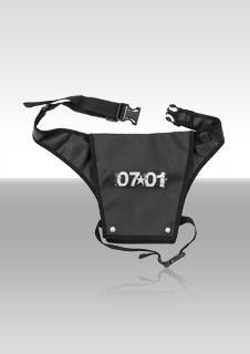 J.7 Scherentasche: Praktische Hüft-Scherentasche mit vielen Fächern für Scheren, Kämme und weiteres Handwerkzeug.    Für dieses Produkt abstimmen: http://salonstar.menschenimsalon.de/voting#tool    Weitere Infos:  http://www.J-7.de/