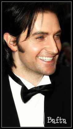 Richard Armitage contagious laugh  , such sparkle in his eyes hair so lustrous teeth so even what can be not said about this Leo!!!! He's been created very carefully by HIS HANDS !!!!  Remarkable! !!!
