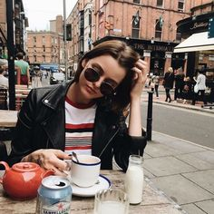 Find the perfect Photo Pin stock photos Fitz Huxley, Travel Outfits, Tumblr Girls, Mode Inspiration, Look Cool, Belle Photo, Street Style, Stylish, My Style