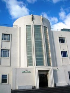 """File:Entrance to Midland Hotel Morecambe. Setting used in the tv series, """"Poirot"""""""