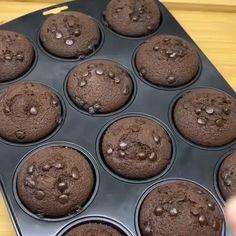 """Yemek Ve Tatlı Tarifleri on Instagram: """"@ayseseymabektas Herkese selamlar😍 Nefis bir brownie tarifim var.. Mutlaka deneyin bayılacaksınız😋😋 Detaylı videolar için lütfen…"""" Cookies, Chocolate, Brownie, Desserts, Instagram, Food, Pasta, Crack Crackers, Tailgate Desserts"""