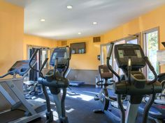San Diego Apartments for Rent in Birdland | eaves Mission Ridge