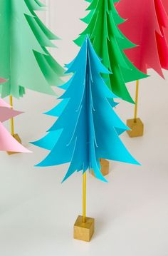 Paper Christmas Tree Tutorial by Lindi Haws of Love The Day Origami Christmas Tree, Tabletop Christmas Tree, Christmas Paper, Christmas Decorations, Christmas Trees, Christmas Ornament, Xmas, Christmas Craft Projects, Holiday Crafts