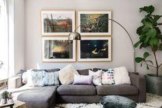 Fotos cálidas y una lámpara de lectura