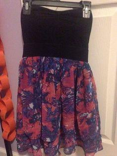 Beautiful Floral Strapless Dress    [url]: http://www.vinted.com/sh/clothes/13381461-beautiful-floral-strapless-dress
