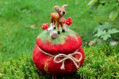 Frieder`s Waldes-Lust ,gefilzte Dose mit Deckel von Frau Brunsels Filz auf DaWanda.com