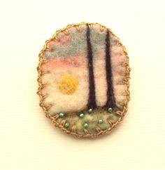 Needle felted woodland badge - summer forest scene