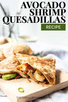 Avocado shrimp quesadilla Avocado shrimp quesadillas are a perfect lunch or dinner recipe. Healthy and crispy tortillas with vegetables, avocado and seafood. Quesadillas, Shrimp Quesadilla, Quesadilla Recipes, Tortilla Recipes, Best Shrimp Recipes, Pork Rib Recipes, Seafood Recipes, Mexican Lunch Recipe, Mexican Dinner Recipes